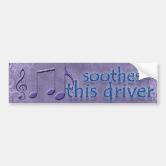 Musik beruhigt diesen Driver_Bumper Aufkleber Autoaufkleber