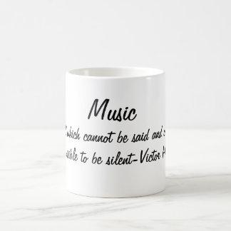 Musik drückt… aus kaffeetasse