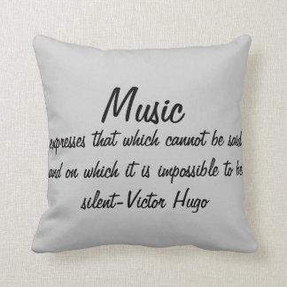 Musik drückt… aus kissen