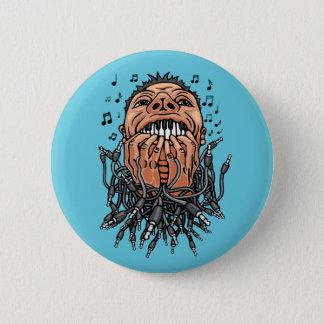 Musiker spielt auf seinen Zähnen wie auf Tastatur Runder Button 5,7 Cm