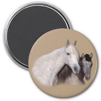 Mustangs Sally und Wilson-Magnet Runder Magnet 7,6 Cm