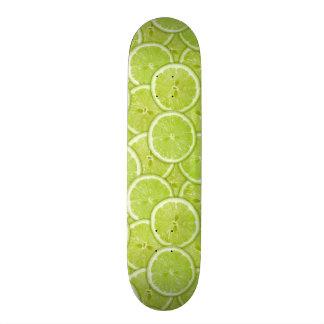 Muster der grünen Limonen Scheiben Skateboard Deck