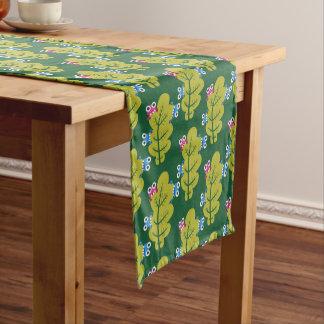 Muster der niedlichen Wanzen, die Grün-Blätter Kurzer Tischläufer