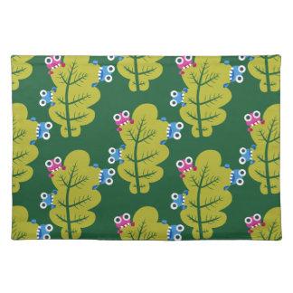 Muster der niedlichen Wanzen, die Grün-Blätter Stofftischset