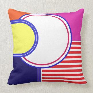 Mutige Farben, feines Grafikdesign Kissen