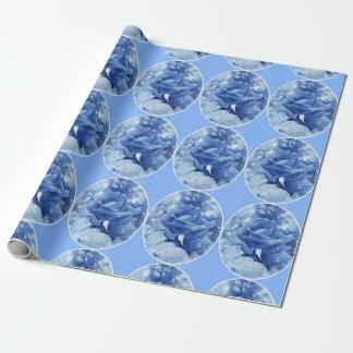 Mutige und weibliche blaue Rosenmedaillons Geschenkpapier