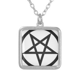 Mutiger Pentagram Versilberte Kette