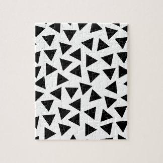 Mutiger Schwarzweiss-Dreieck-Druck Puzzle