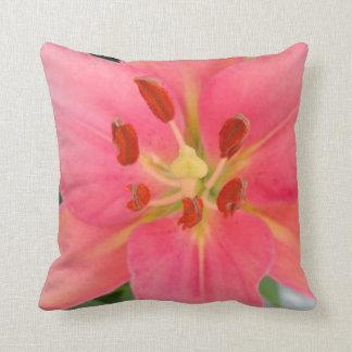 Mutiges rosa Lilien-Kissen