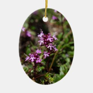 Mutter der Thymian-Blumen (Thymusdrüse praecox) Ovales Keramik Ornament