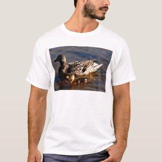Mutter-Frau-u. Baby-Stockente T-Shirt