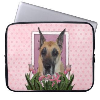 Mutter-Tag - rosa Tulpen - Deutsche Dogge Laptop Schutzhülle