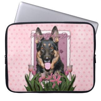 Mutter-Tag - rosa Tulpen - Schäferhund - Kuno Laptop Sleeve Schutzhülle