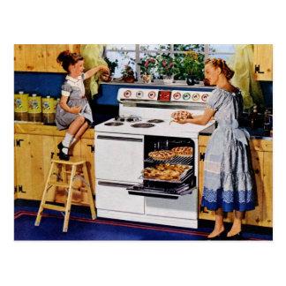 Mutter- Tochter-Retro Küche Postard Postkarte