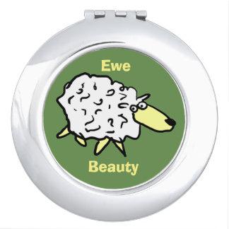 Mutterschaf-Schönheits-Schaf-Cartoon-Entwurf Taschenspiegel