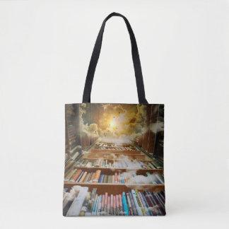 Mystisches unbegrenztes Buch-Regal, das zum Himmel Tasche