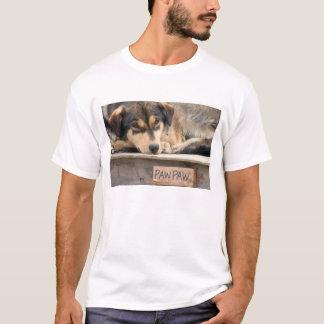 N.A., USA, Alaska. Heisere Schlittenhunde bei 2 T-Shirt