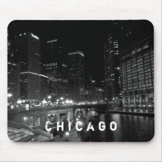 Nachtansicht-Schwarzes u. Weiß Chicagos Illinois Mauspad