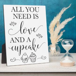 Nachtisch-Kuchen-Hochzeits-Zeichen mit Gestell Fotoplatte