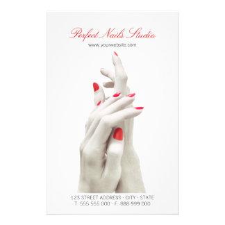 Nagel-Salon-Schönheits-Mitte-Flyer 14 X 21,6 Cm Flyer