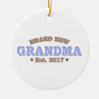Nagelneue Großmutter Est. 2017 (lila) Rundes Keramik Ornament
