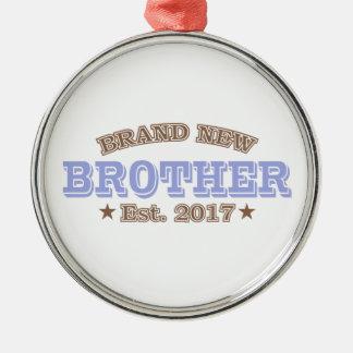 Nagelneuer Bruder Est. 2017 (lila) Rundes Silberfarbenes Ornament
