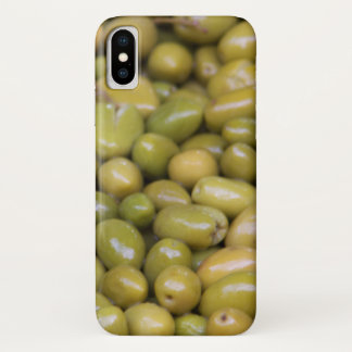 Nah oben von den grünen Oliven iPhone X Hülle
