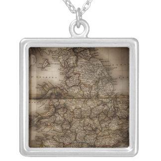 Nah oben von der antiken Karte von England Halskette Mit Quadratischem Anhänger