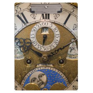 Nah oben von einer alten Uhr, Deutschland Klemmbrett