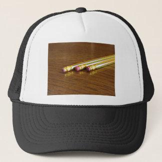 Nahaufnahme der benutzten Bleistiftradiergummis Truckerkappe