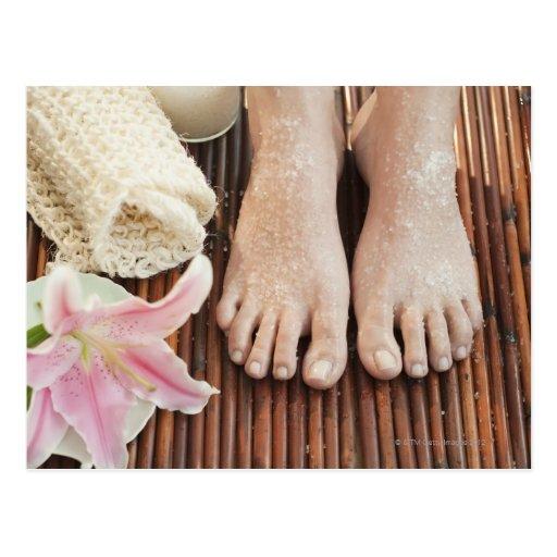 Nahaufnahme der Füße der Frau Wellness-Centerbehan Postkarte