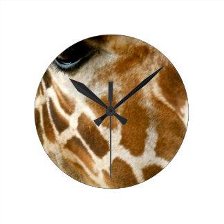 Nahaufnahme-Giraffen-Gesichts-wilde Runde Wanduhr