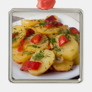 Nahaufnahmeansicht der gedämpften Kartoffeln Silbernes Ornament