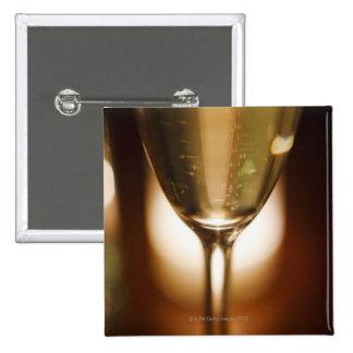 Nahaufnahmeansicht des Champagnerglases Quadratischer Button 5,1 Cm
