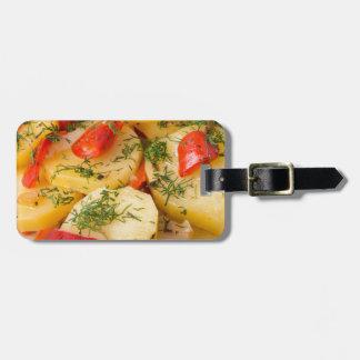 Nahaufnahmeansicht eines vegetarischen Tellers von Gepäckanhänger
