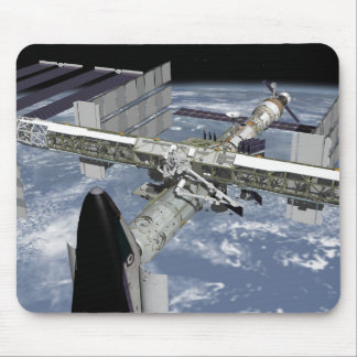 Nahe hohe Ansicht des Shuttles angekoppelt Mauspad