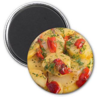 Nahe hohe Ansicht über einen vegetarischen Teller Runder Magnet 5,7 Cm