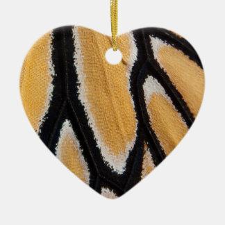 Nahe hohe Monarchflügel-Fotoverzierung Keramik Herz-Ornament