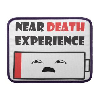 Nahe Todesbatterie MacBook Sleeve