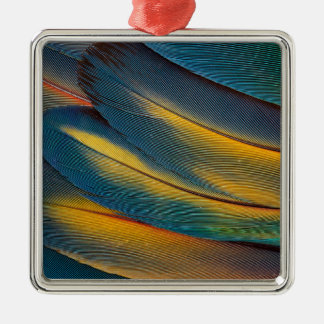 Nahes hohes der Scarletmacaw-Feder Quadratisches Silberfarbenes Ornament