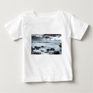 Nahsholim Erholungsort, bonim Strand, dor Strand. Baby T-shirt