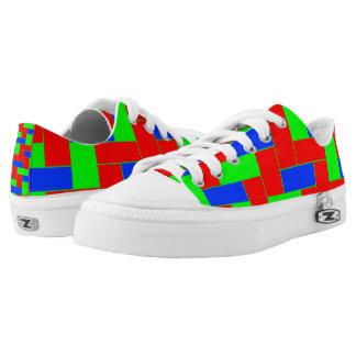 Nahtloses buntes Muster von symmetrischem Niedrig-geschnittene Sneaker