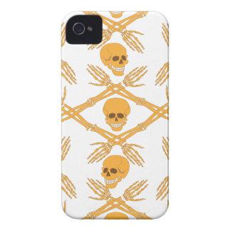 nahtloses Muster mit den Schädeln und den Knochen Case-Mate iPhone 4 Hülle