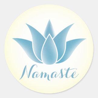 Namaste blauer Lotos-Blumen-Yoga Runder Aufkleber