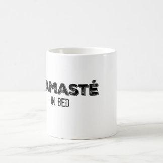 Namasté in der Bett-Tasse Tasse