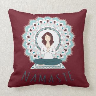 Namaste in der Lotos-Pose - Yoga Asana Kissen