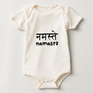 Namaste in englischem und im Hindi Baby Strampler