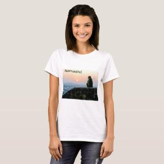 Namaste Meditations-Yoga-Affe in Indien am T-Shirt