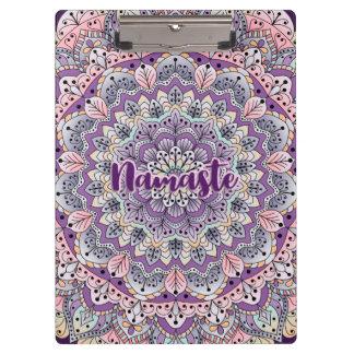 Namaste niedlicher rosa und lila Blumenmandala Klemmbrett