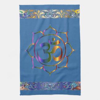 Namaste Om-OM-Lotos mit Regenbogen-Vintager Grenze Handtuch